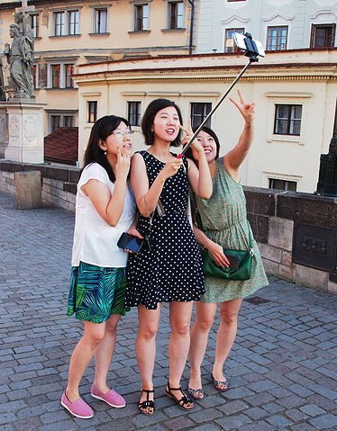 Several prominent museums banned the selfie sticks