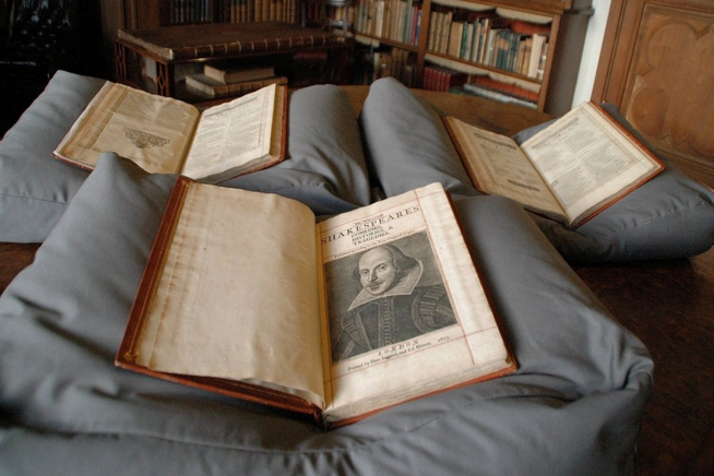 Re-discovery of Shakespeare First Folio
