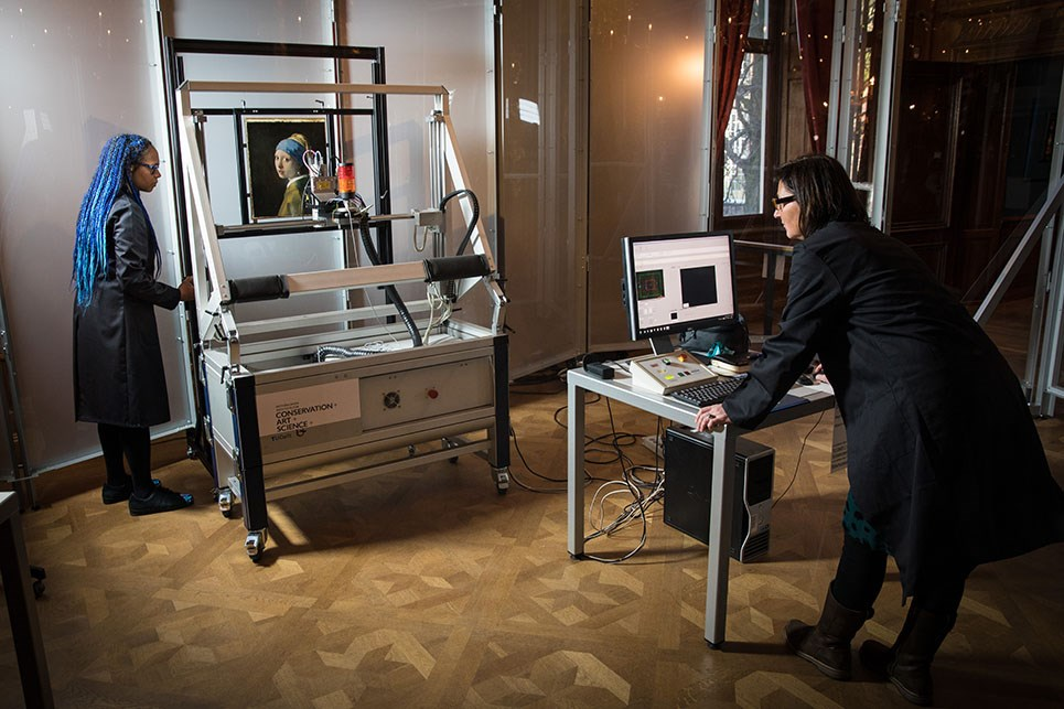 New In-depth Research into Vermeer's Girl with a Pearl Earring Starts with Macro-XRF Scan at the Mauritshuis