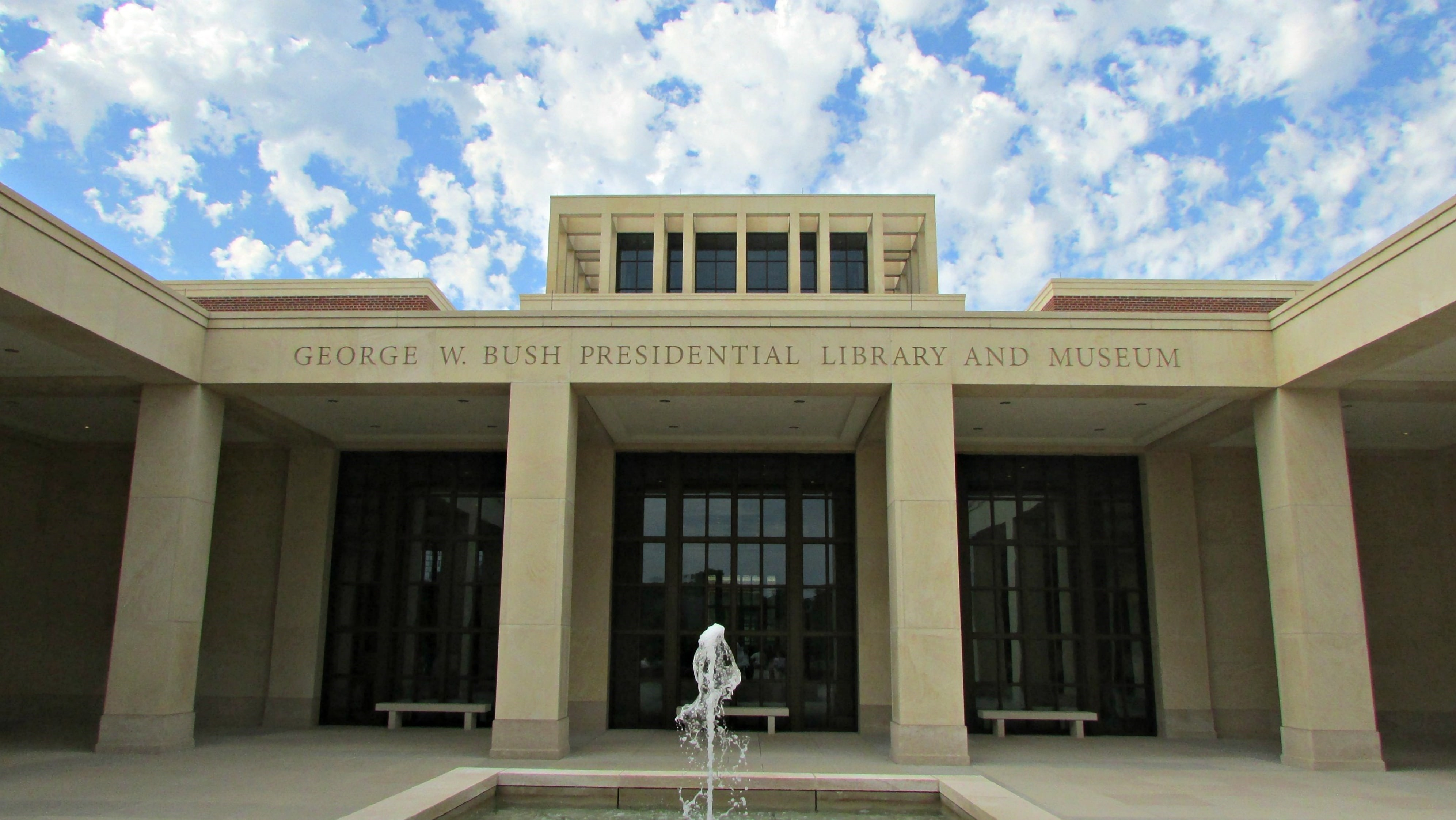Presidential Museums and Libraries: Special Focus on the George W. Bush Presidential Library and Museum